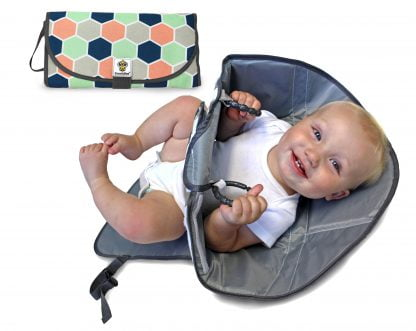 SnoofyBee handsfree changing pad honeycomb 2 scaled